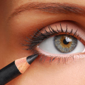 eyeliner-application-astuce