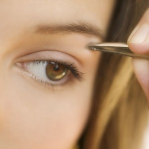 redessiner-epilation-sourcils